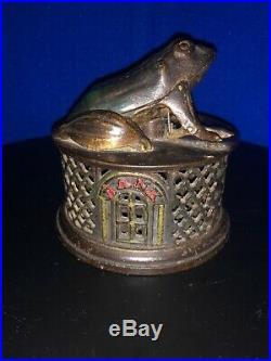 1872 Rare Antique Cast Iron J & E Stevens Frog On Round Base Mechanical Bank