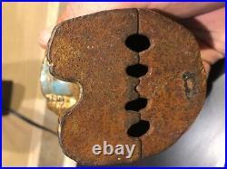 Antique 1930s Hubley Cast iron bear with honey pot large still bank
