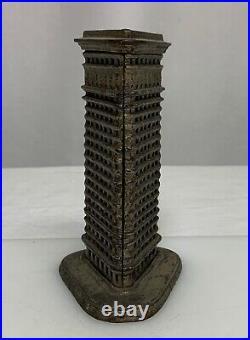 Flatiron Building NYC Vintage Antique Miniature Bldg Cast Iron Bank 81350