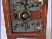 Key Lock Safe (Antique Cast Iron Still Bank)