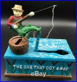 Vintage 1962 Fishing Cast Iron Coin Bank The One That Got Away Fish Barrel Funny